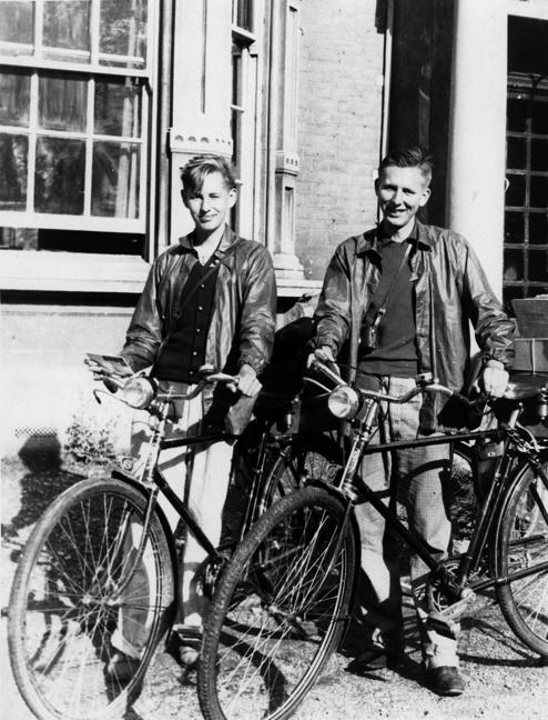 Ron and Gordon on their 1938 European bicycle tour.